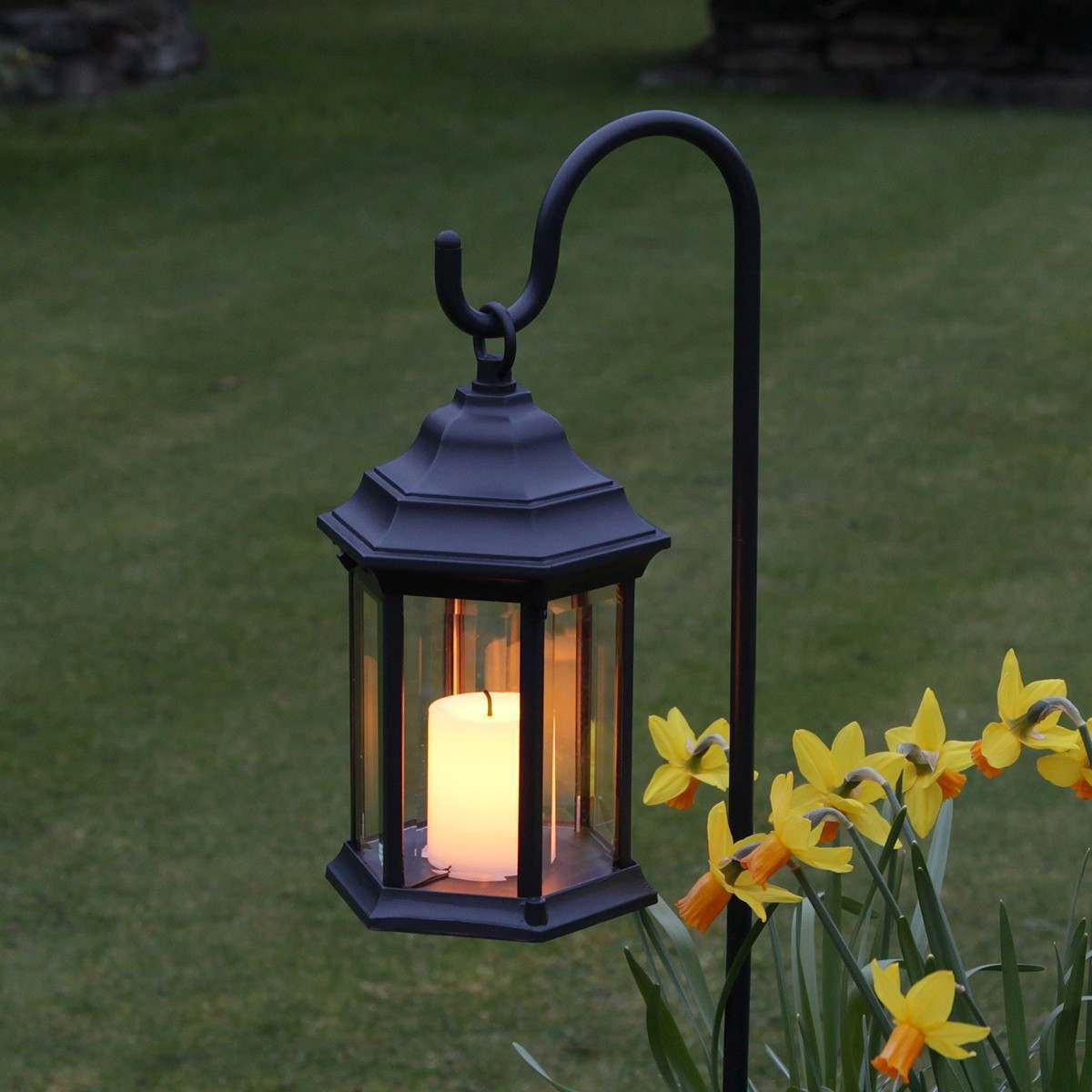 outdoor battery flickering candle lantern with timer. Black Bedroom Furniture Sets. Home Design Ideas