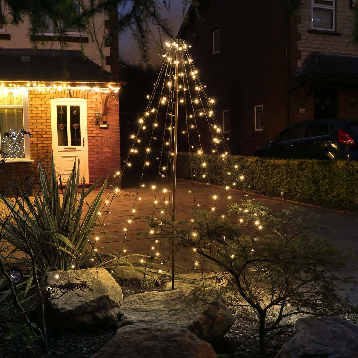 2m Outdoor Battery Christmas Teepee Tree 200 Leds