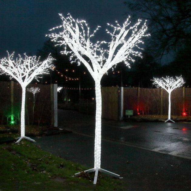 2.6m Large Tree Commercial Sculpture, 1,900 White LEDs