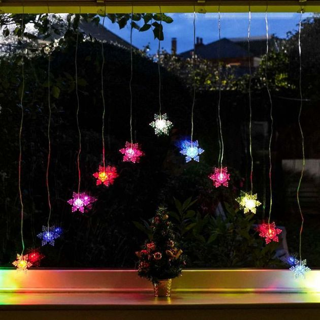1.4m Battery Snowflake Curtain Light, Colour Changing LEDs