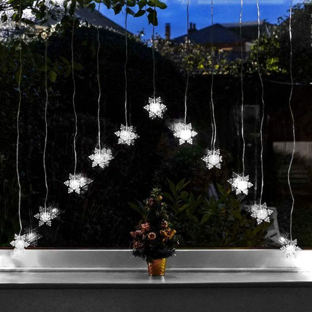 1.4m Battery Snowflake Curtain Light, White LEDs
