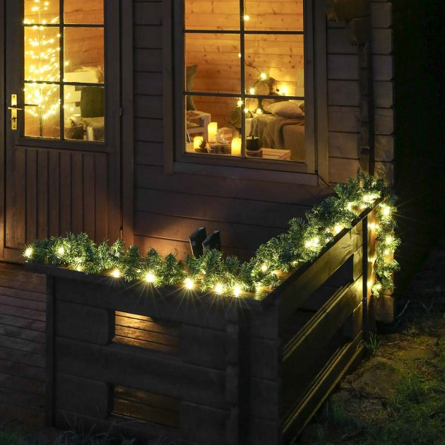 3m Outdoor Pre-Lit Christmas Garland with Pine Cones, Connectable, 50 Warm White LEDs