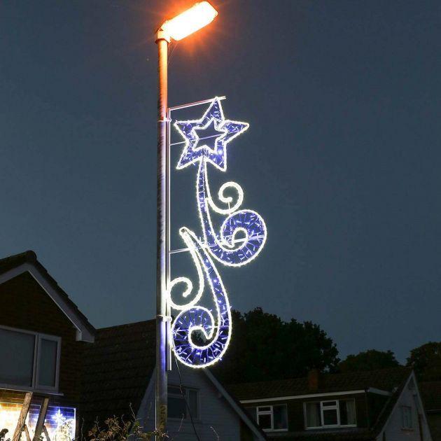 2m Aluminium Outdoor Rope Light Christmas Shooting Star Motif, Twinkle LEDs