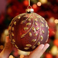 10cm Burgundy Mercury Effect Leaf Design Glass Christmas Tree Bauble