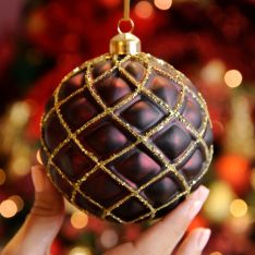10cm Burgundy Matt Quilted Glass Christmas Tree Bauble