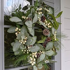 46cm Outdoor Mistletoe Christmas Wreath with Pinecones