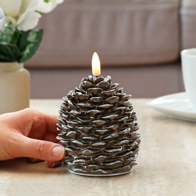 12.5cm Christmas Pinecone Candle