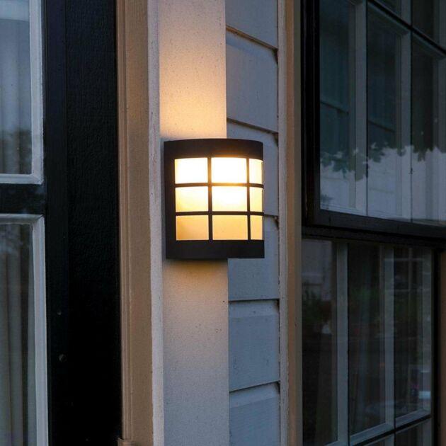 Canterbury 230V Wall Light