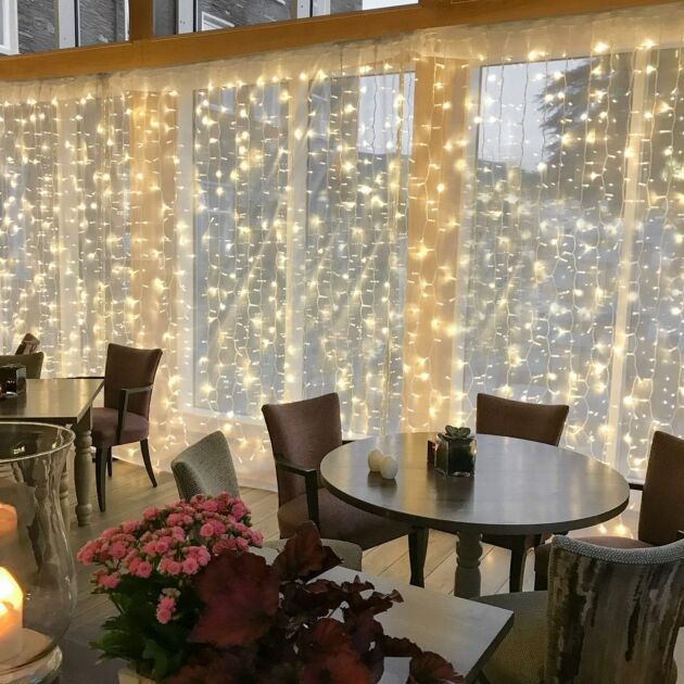 2m x 2.5m Outdoor Curtain Lights, Connectable, 500 LEDs, White Cable