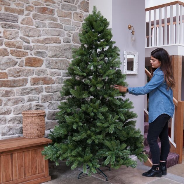 Mayberry Spruce Christmas Tree