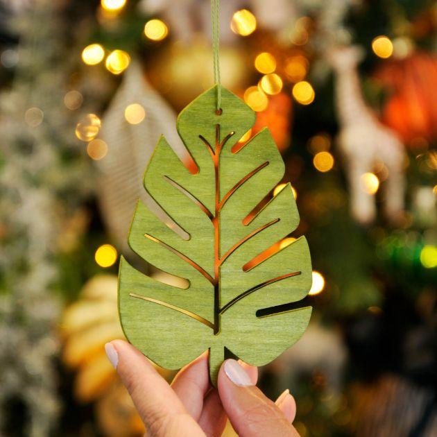 12cm Green Lasercut Palm Leaf Christmas Tree Decoration