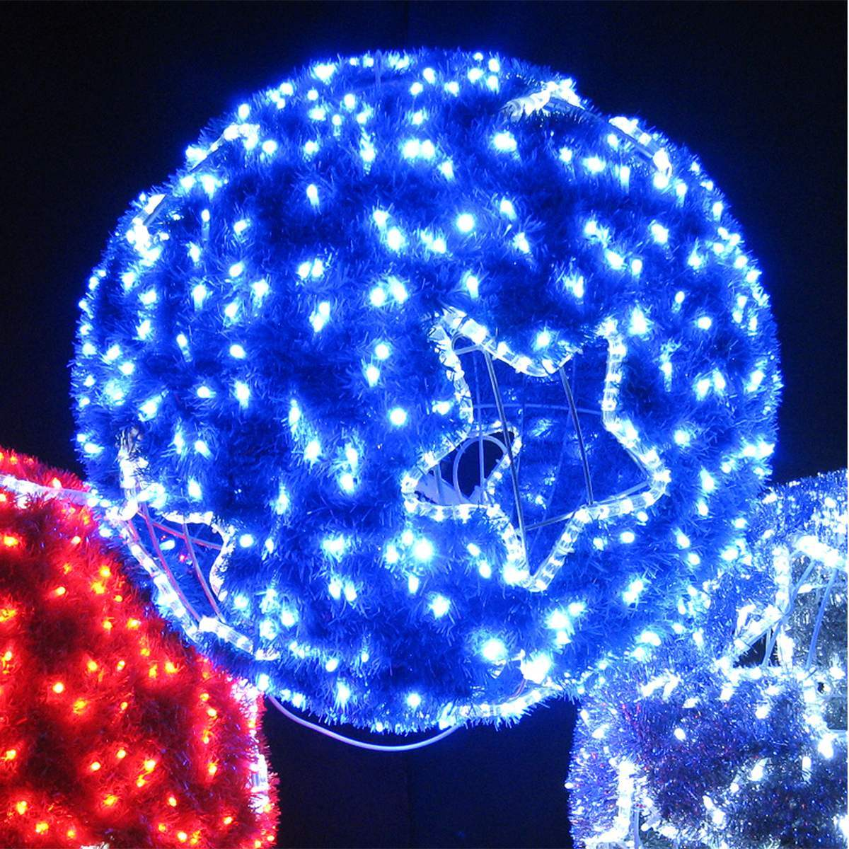 80cm outdoor bauble silhouette for Outdoor christmas baubles