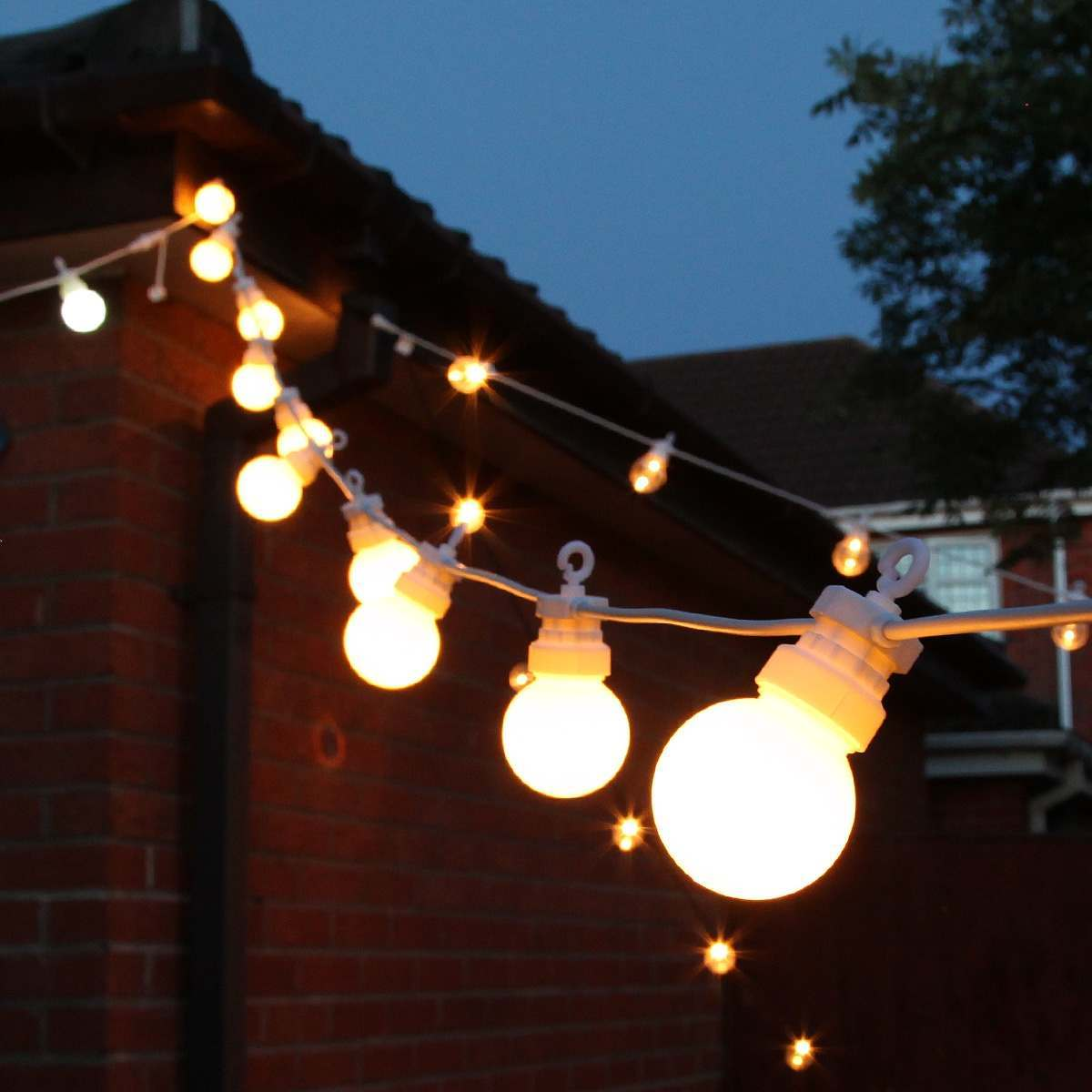 Outdoor festoon lights connectable warm white leds for Garden lights