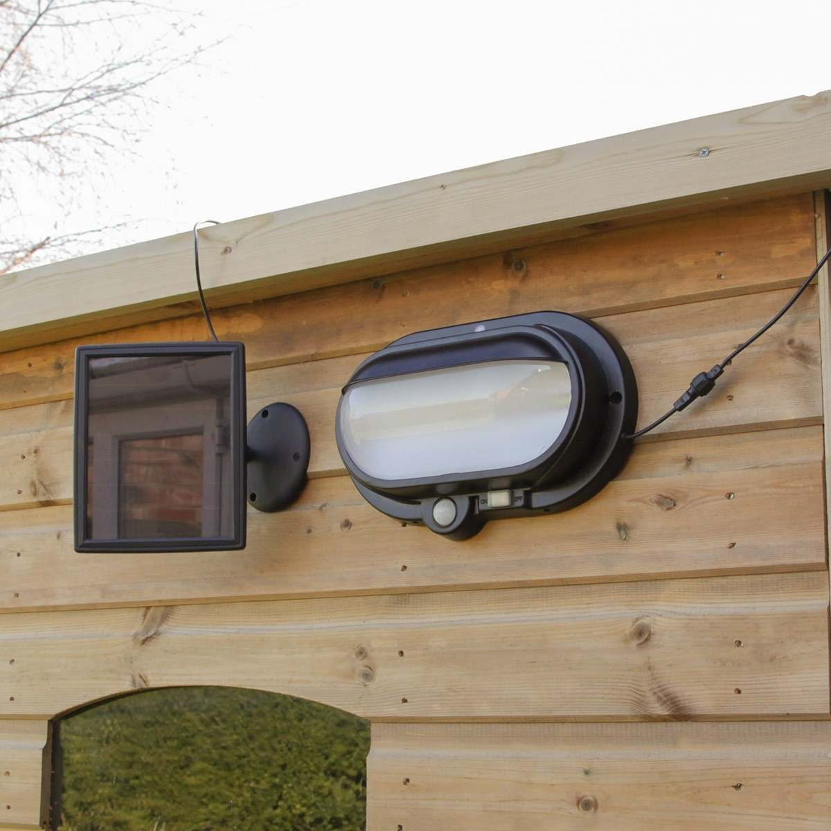 Wall Top Solar Lights : Super Solar Security Wall light with PIR, White LEDs