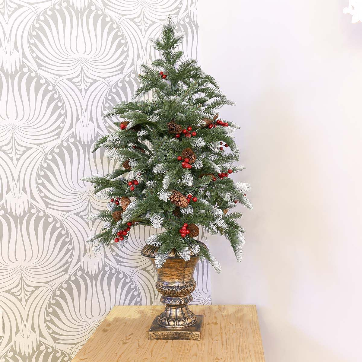 3ft Pe Artificial Potted Christmas Tree With Berry And